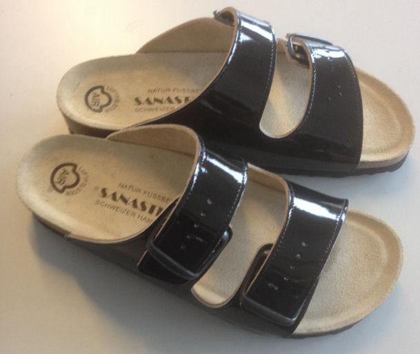 Fussbett-Sandalen, Lack  schwarz